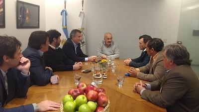 Productores de peras y manzanas comercializarán en forma directa en la ciudad de Buenos Aires