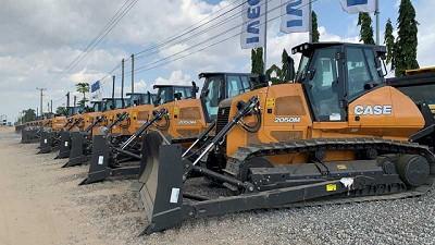 CASE entreg� 125 equipos al Ministerio de Transporte de Angola
