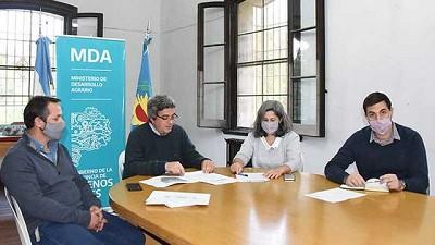 El ministro Rodríguez explicó los alcances de la iniciativa, que busca el crecimiento del sector y el desarrollo de otras producciones