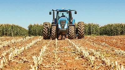 Fuerte suba de los patentamientos de tractores y cosechadoras en junio