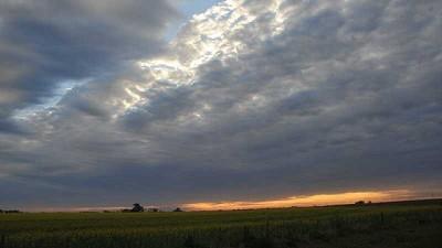 Marcado ascenso térmico, acompañado por precipitaciones sobre el centro-este del área agrícola