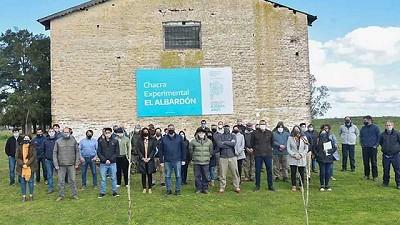 El ministro Rodríguez inauguró la Chacra Experimental MDA El Albardón, en Rauch